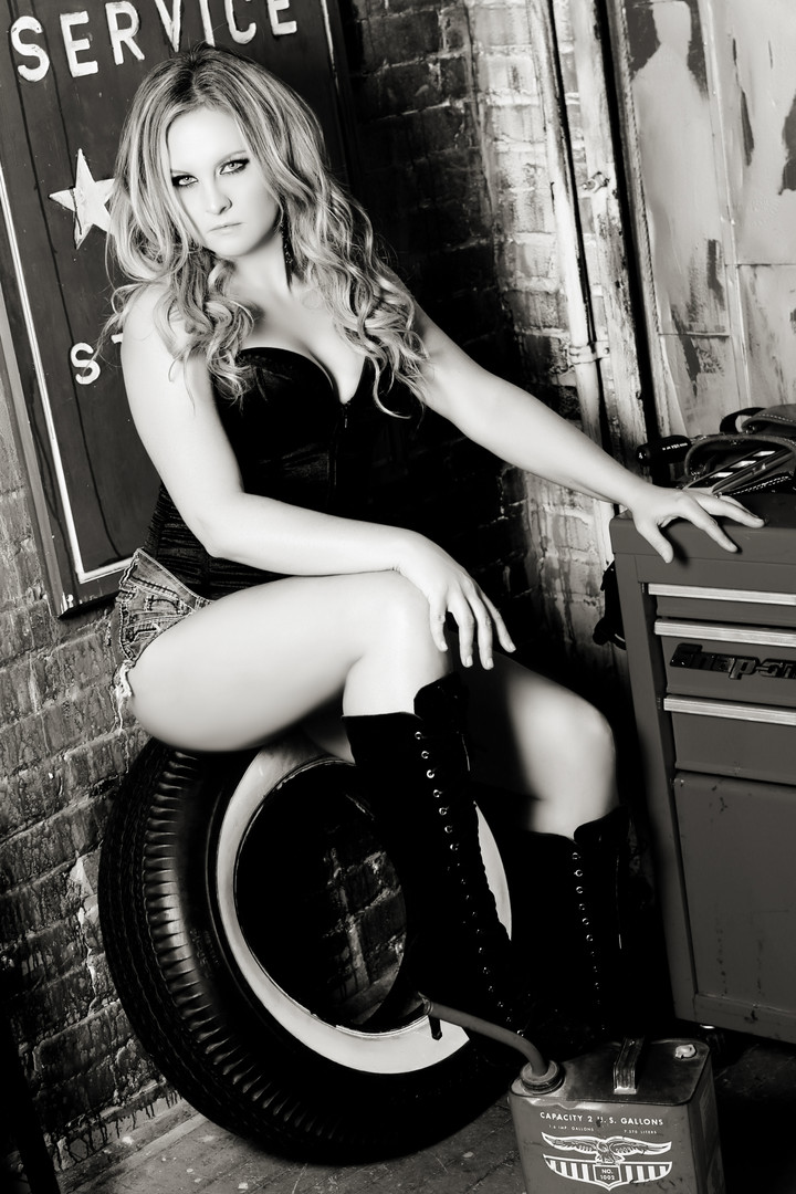Sugar & Spice Photography Boudoir Garage