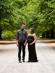Outdoor maternity photography.jpg