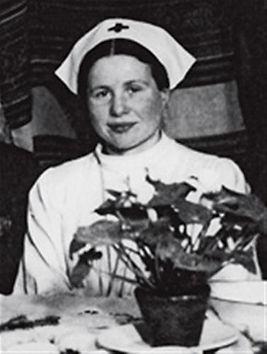 IrenaSendler-nurses-uniform-2.jpg