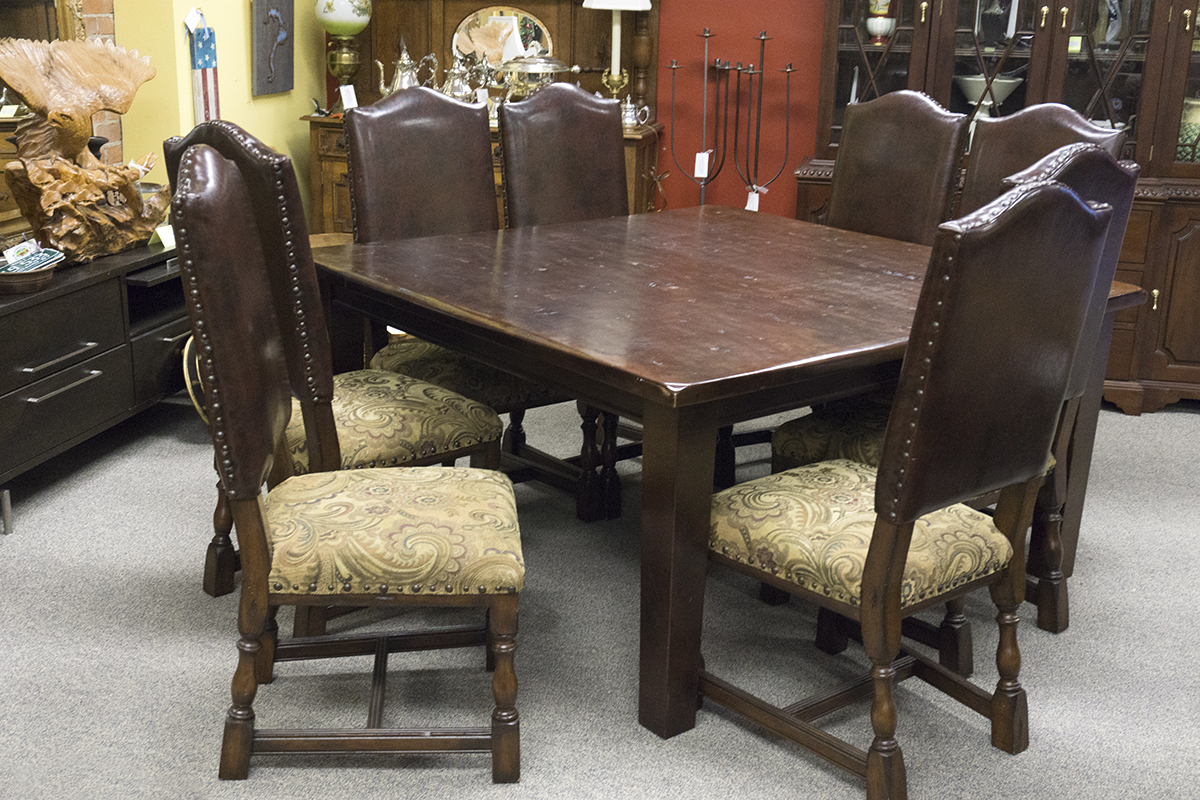 Rustic Table with 8 Chairs
