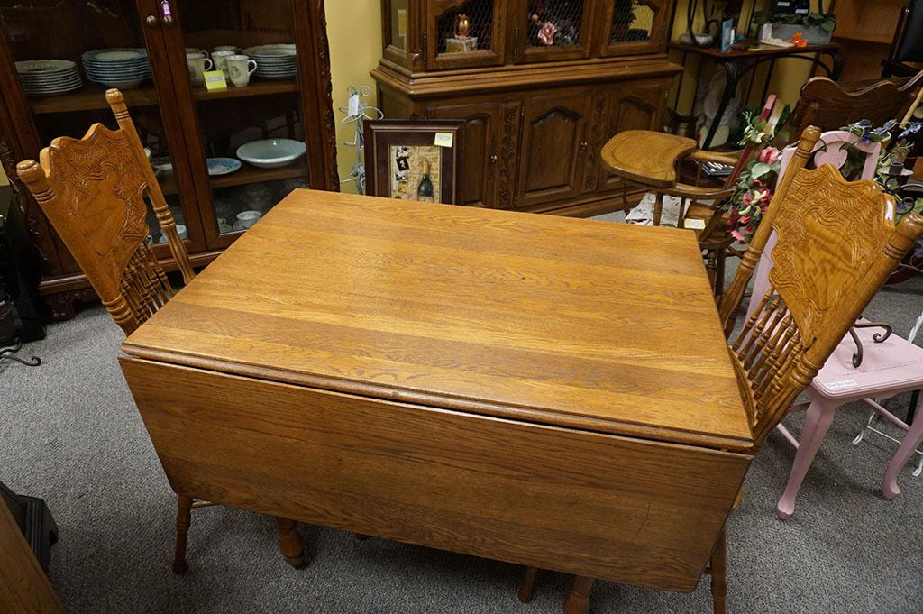 Vintage Oak Drop-Leaf Table w Chairs
