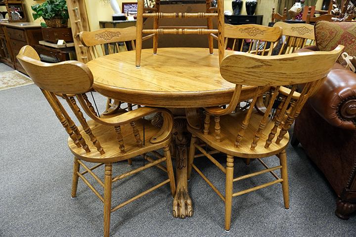 Lions Clawfoot Oak Table