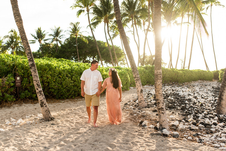 hawaii-maternity-session-12.jpg