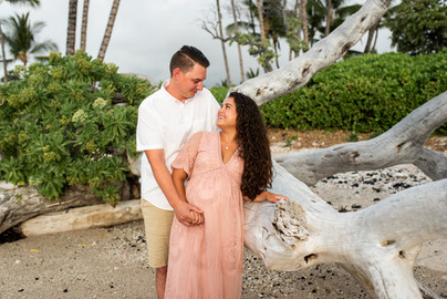hawaii-maternity-session-1.jpg