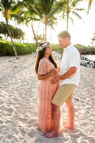 hawaii-maternity-session-20.jpg