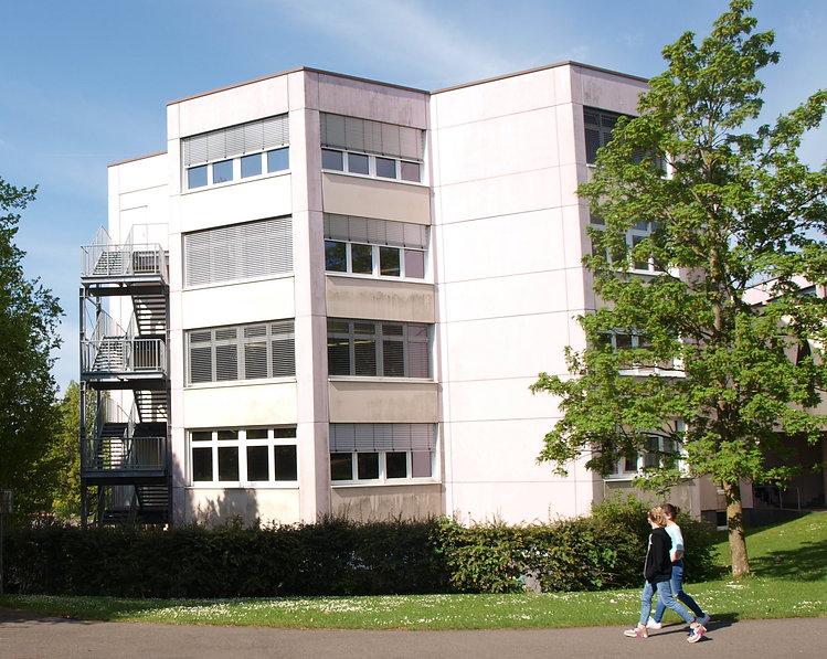 Bild Klassenturm Biesdorf kl.jpg