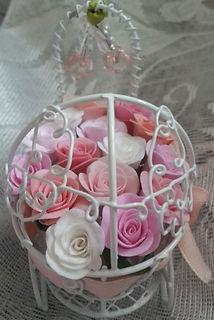 Необычный подарок Сувенир из полимерной глины  для мамы на день рождения ребёнка коляска с цветами розами