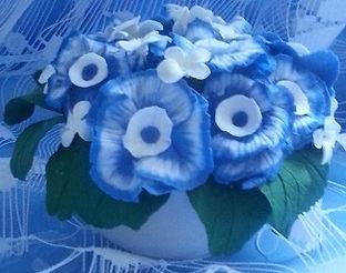 Цветы из полимерной глины,чаша с цветами из полимерной глины, голубые и белые цветы из полимерной глины, декор, увенир