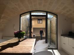 Uzes | kitchen opening on patio