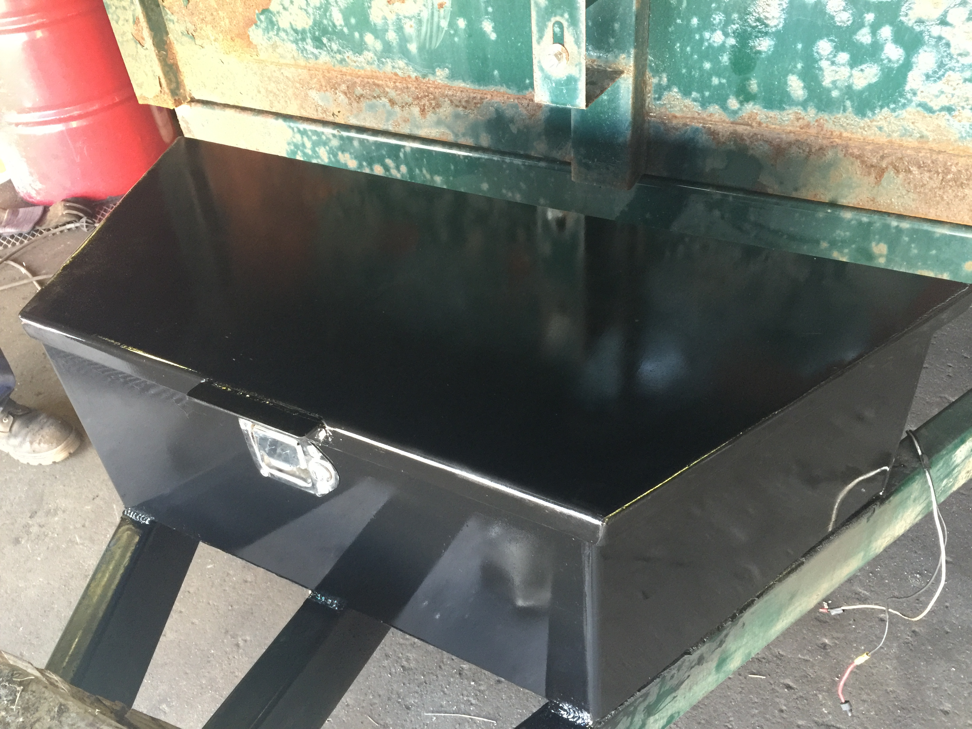 Custom battery box for trailer