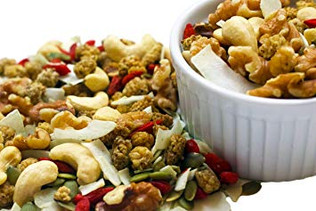 Superfood Trail mix snack