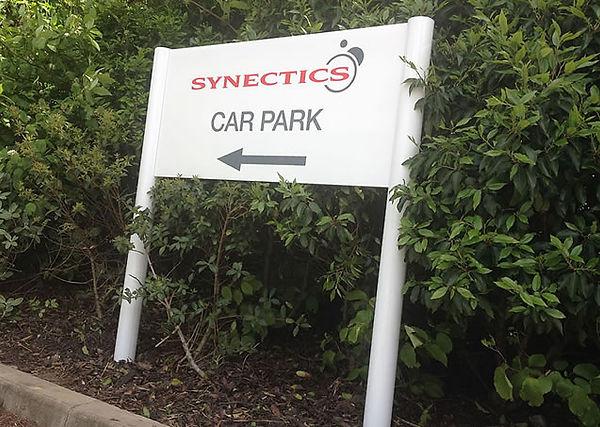 post_panel_directional_car_park_sign.jpg