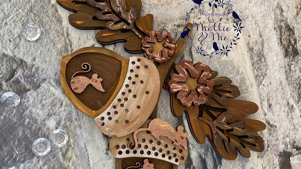 Autumn Acorn with mice