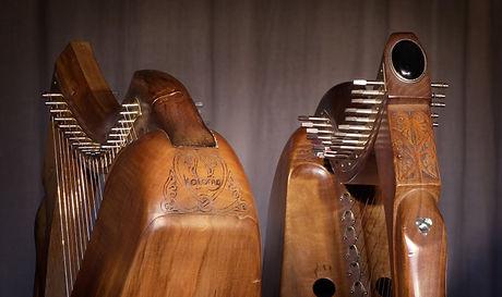 Harpes personnalisées, personnalisation des harpes par le choix d'une pierre et d'un nom
