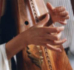 Main Harpiste celtique ancienne Style de jeu