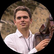 Jean Herrou - Luthier de l'atelier Harpes Herrou, harpiste et chanteur