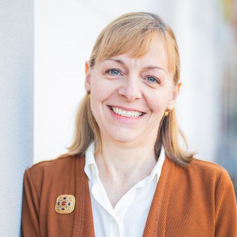 Lisa Cary