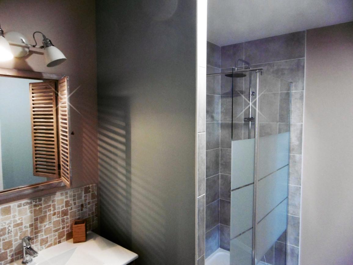 Salle de bain attenante à la chambre _es