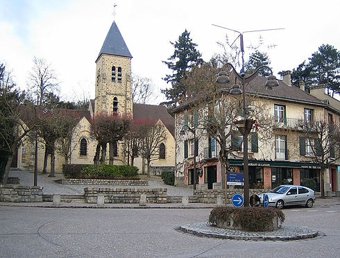 Gif-sur-yvette-place-eglise.jpg