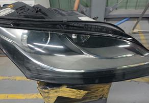 アウディ TT ヘッドライトスモーク塗装