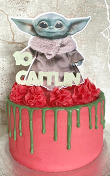 Baby Yoda Drip Cake