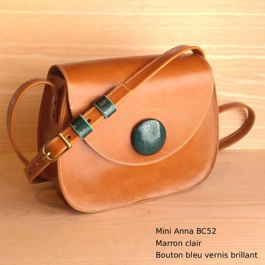 Mini Anna BC52 Marron clair bouton bleu