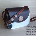 Mini Anna BC52 Marron grainé poils blanc