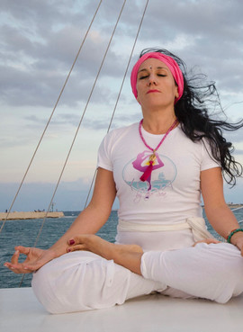 Maya meditation ok (1).jpg