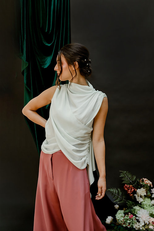 The Dymphna Top in Lily