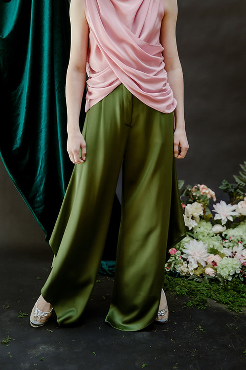 The Siena Pant in Mossy Knoll