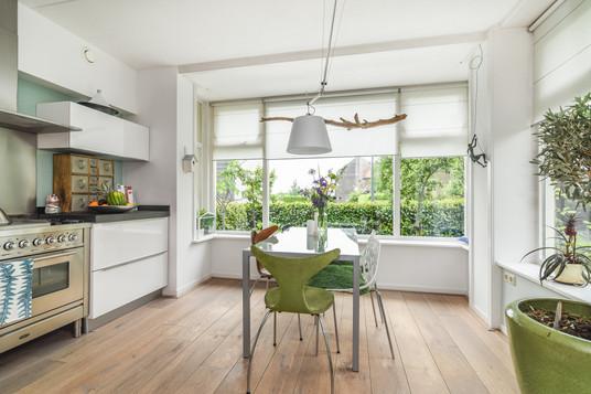 Interieurfotografie - moderne eethoek en keuken