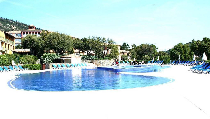 piscine issambre.jpg