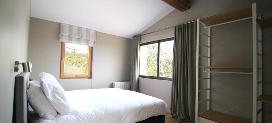 chambre avec lit double.jpg