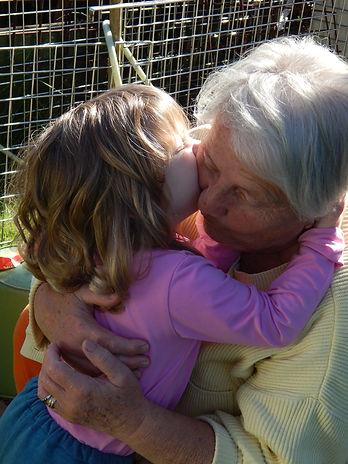 grandma-577494_1920.jpg