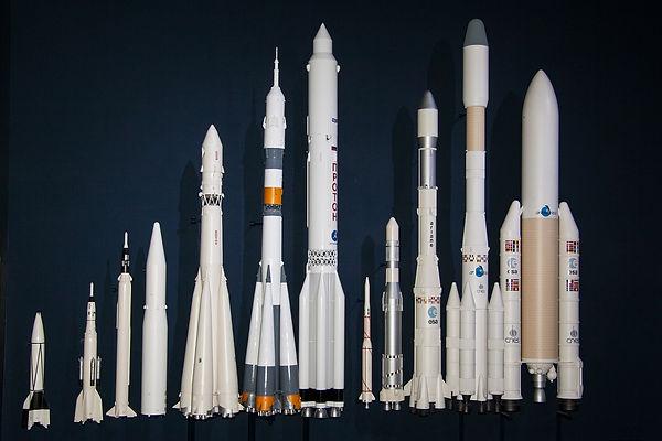 v2-rocket-193762_1920.jpg