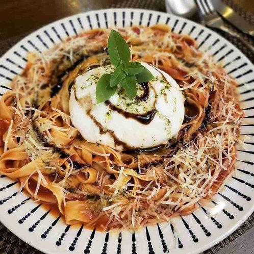 Fettuccine | Linguine ao Pomodoro com Burrata Frescae Crema de Balsâmico