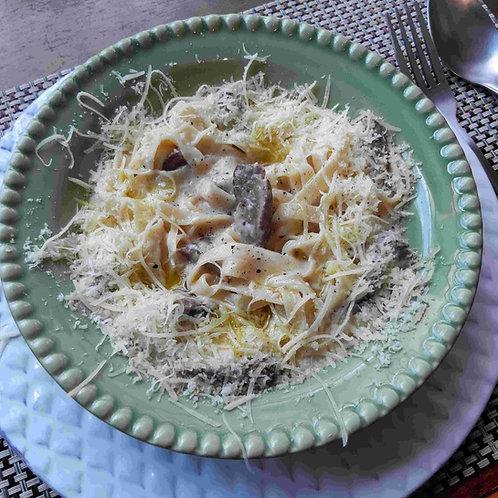 Massa seca Linguini com Tiras de Filet Mignon (imagem Ilustrativa)