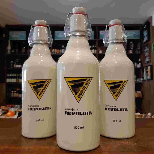 Cerveja Revoluta Scotch Ale Garrafa Especial Formato Growler 500ml