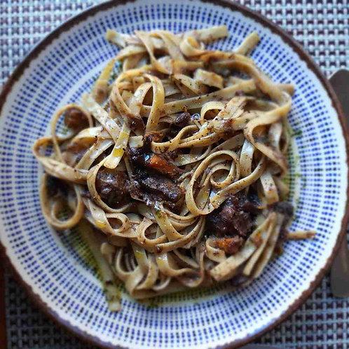 Massa Seca Linguini ao Molho Ragu (imagem meramente Ilustrativa)