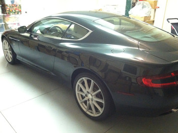 Aston Martin DB9 wearing Sapphire V1
