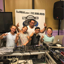 DJ G Beatz, Chloe, his sister, and her friends are always in the mix here at The Mobile DJ Academy! ✌🏼 #themdja
