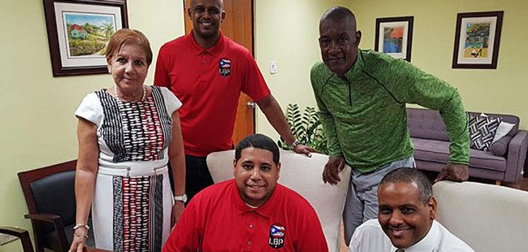 De izquierda a derecha, alcaldesa Julia Nazario Fuentes, el Director de Torneo; Edgardo Boffill, Dir