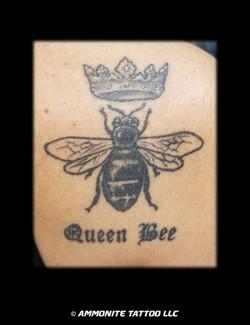 w-B-queenbee