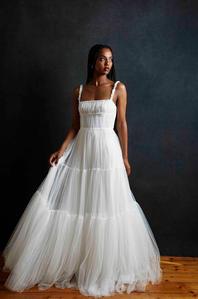 Grace+Tulle+Gown+websize+1.jpg