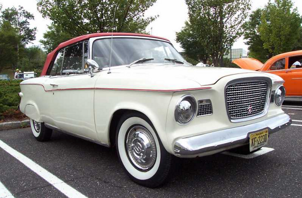 The Lark, one of the last models manufactured by Studebaker.