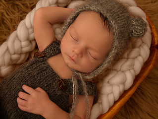 Frequently Asked Questions when booking a Newborn Photography session
