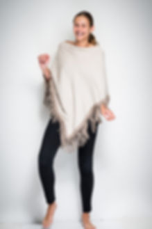 Poncho in silk & cashmere, goat suède fringes