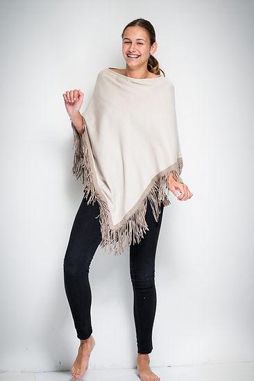 Poncho in silk & cashmere, goat suède fringes