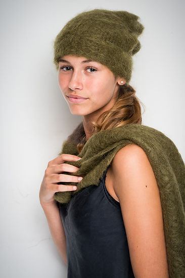 Hat & scarf in 100% mohair, handknit