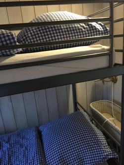 Zimmer mit Kajütenbett
